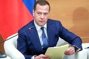 Медведев поручил выяснить, кто виноват в нарушении качества нефти