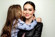 Актриса Алисса Милано призвала женщин отказаться от интимной близости