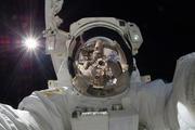 Российские космонавты готовятся к выходу в открытый космос