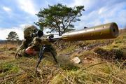 Ликвидация снайпером киевских военных в зоне конфликта в Донбассе попала на видео