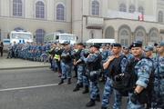 Полиция заблокировала участников несанкционированного митинга. Наш корреспондент присылает фотоотчет с места событий