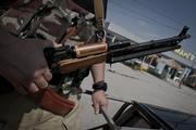 Видео атаки бронебойными боеприпасами ДНР по позиции ВСУ опубликовали в сети