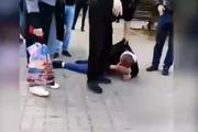 Опубликовано видео избиения мужчины  за шутку с бомбой в  Ростове-на-Дону