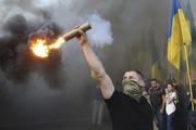 На акции украинской оппозиции в Киеве призвали начать полноценную войну с Россией