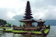 Остров Бали попал в список мест, куда туристам не рекомендуют ездить в 2020 году