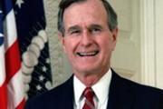 Жена Буша-старшего госпитализирована, а он сам в реанимации