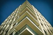 В Петербурге с балкона сбросили мужчину