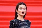 Фото Сати Казановой в обтягивающем платье озадачило фанатов