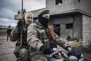 ВКС РФ сняли на видео авиаудары по перешедшим в наступление сирийским боевикам
