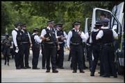 Неизвестные в масках открыли стрельбу в Лондоне