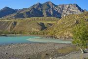 Четверо туристов застряли в горах Алтая без снаряжения