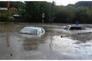 Во Львове пришлось эвакуировать людей из затопленных ливнем автомобилей