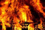 В Нижегородской области мужчина спас из охваченного огнем дома женщину и ребенка