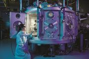 Нобелевская премия присуждена за открытия в области лазерной физики