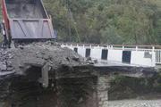 """""""У них не было шансов"""": при обрушении моста в Приморье погибли женщина и ребенок"""