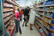 Повысившаяся зарплата россиян уменьшилась в долларах и евро