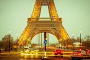 В Париже проходят акции протеста, закрыты семь станций метро