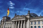 Экс-глава МИД ФРГ обвинил Украину в попытке втянуть Германию в войну