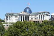 """Оппозиция в Тбилиси требует досрочных выборов, Саакашвили велел """"не сдаваться"""""""
