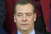 Медведев: номинальные зарплаты россиян вырастут на 7,6%