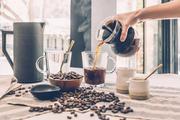 Злоумышленник избил продавщицу и ограбил кофейню в Краснодаре