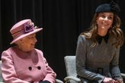 Королева Елизавета II готовит из Кейт Миддлтон свою преемницу