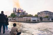 """""""Обугленное сердце Парижа"""": свидетели пожара поделились эмоциями"""