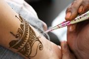 Дочь Егора Кончаловского и Любови  Толкалиной показала свои татуировки