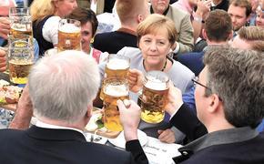 Фрау Меркель дошла до мюнхенской пивной