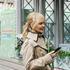 Певица Валерия опубликовала фото с внучкой на руках на семейном завтраке в ресторане
