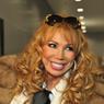 В сети рассматривают фигуру исхудавшей певицы Маши Распутиной