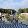 Петергоф: «Двор Петра» и забавы императора