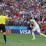 Врач сборной России объяснил след от укола на руке Дзюбы