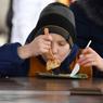 Диетологи пояснили причину массового ожирения Россиян