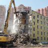 В Москве снесли первую пятиэтажку в рамках программы реновации