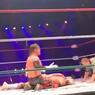 Всемирно известный рестлер умер прямо во время поединка на ринге