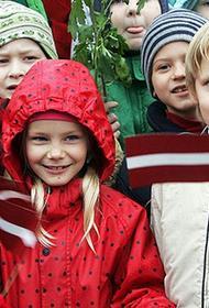В Латвии больше не будут предоставлять статус неграждан новорожденным