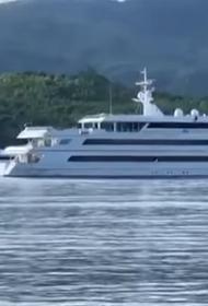 Порошенко приплыл к яхте «Дом-2»?