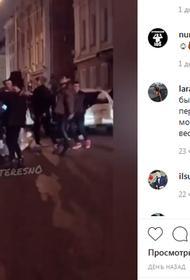 В Казани молодежь перегородила дорогу танцами