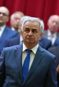 Оппозиция победила. Президент Абхазии Хаджимба подписал документ о сложении полномочий