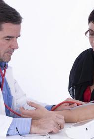 Доступный для всех метод снижения давления без лекарств посоветовали доктора
