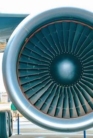 Двигатель самолета загорелся перед вылетом из Новосибирска