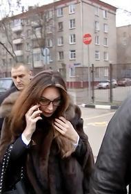 Актриса Наталья Бочкарёва снова в суде. Она просила простить ей историю с наркотиками, но получила штраф в 30 тысяч рублей