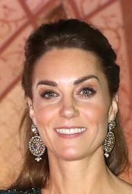 Образ герцогини Кейт на приеме в Бугингемском дворце покорил ее поклонников