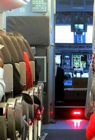 В Москве с подозрением на коронавирус госпитализировали бортпроводников рейса из Китая