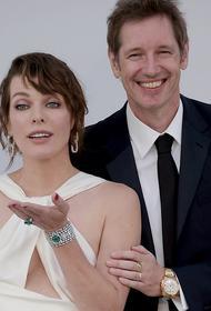 44-летняя актриса Милла Йовович стала мамой в третий раз