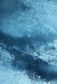 На Байкале под лёд провалился автомобиль