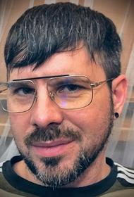 У латвийского певца Интарса Бусулиса появились проблемы со зрением