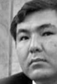 У сына экс-президента Киргизии случился сердечный приступ, и он умер на 44-м году жизни