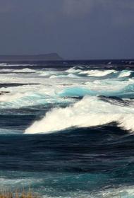 На Черноморском побережье прогнозируют ветер и 3-метровые волны
